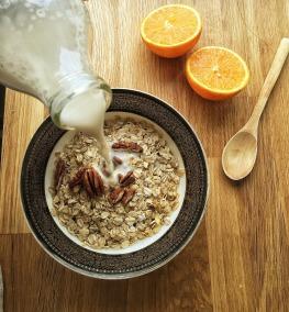 almond-milk-1074596_1920