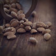 almonds-1266848_1920